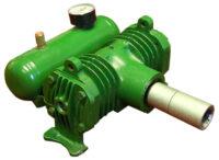 Traktorkompressor - monteras på traktorns kraftuttag med 1 3/8. 6 bommars splines vikt 14 kg