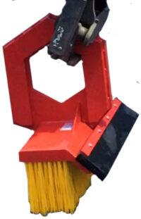 Sopborste för gripkassett - ringfäste bredd 1600 mm med gummiskär vikt 170 kg