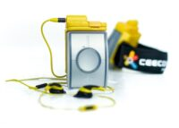 Ceecoach Xtreme DUO - kommunicera trådlöst upp till 500 m 2 enheter med 2 vattentäta skal & 2 headsets  upp till 10 timmars taltid & 3 dagars standby-tid